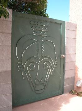 AFRICAN TRIBAL MASK PRIVACY GATE