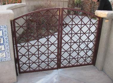 crosshatch rod gates